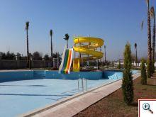 Tatil Sitesi Büyük Kaydıraklı Yüzme Havuzu Yapımı